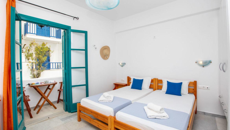Hotel (146)